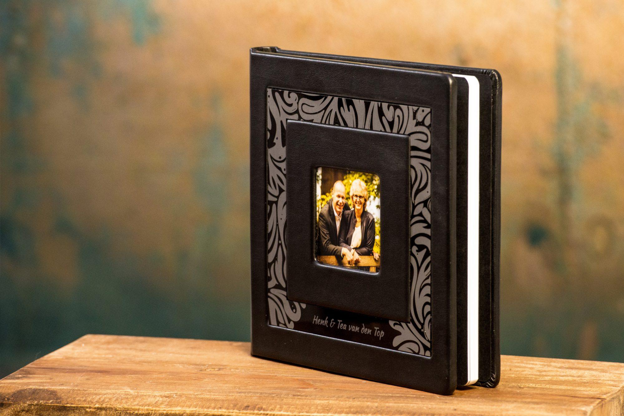 Fotoboekje 20x20 cm, kwaliteit, portretfotografie, groepsfoto, fotograaf, Wouter van Middendorp, omgeving Uddel, Elspeet, Garderen, Putten, Ermelo, Nieuw-Milligen, Vierhouten, Nunspeet, trouwfotografie, bruidsfotografie, Veluwe, Barneveld, Kesteren, Achterberg, professionele fotograaf